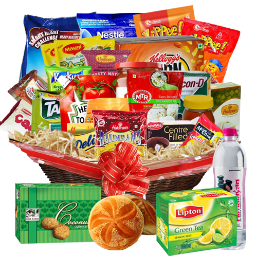 Extravagant Treat Gift Collection Basket