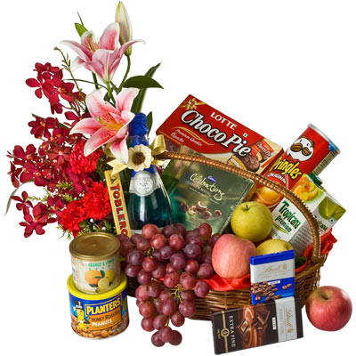 Happiness's Essence Elite Class Hamper